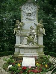 シューマンとクララのお墓